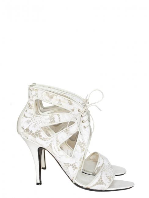 Sandales à talon en cuir et dentelle blanche NEUVES Prix boutique 640€ Taille 40