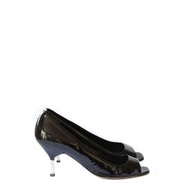 Black patent leather peep toe pumps Retail price 450€ Size 40