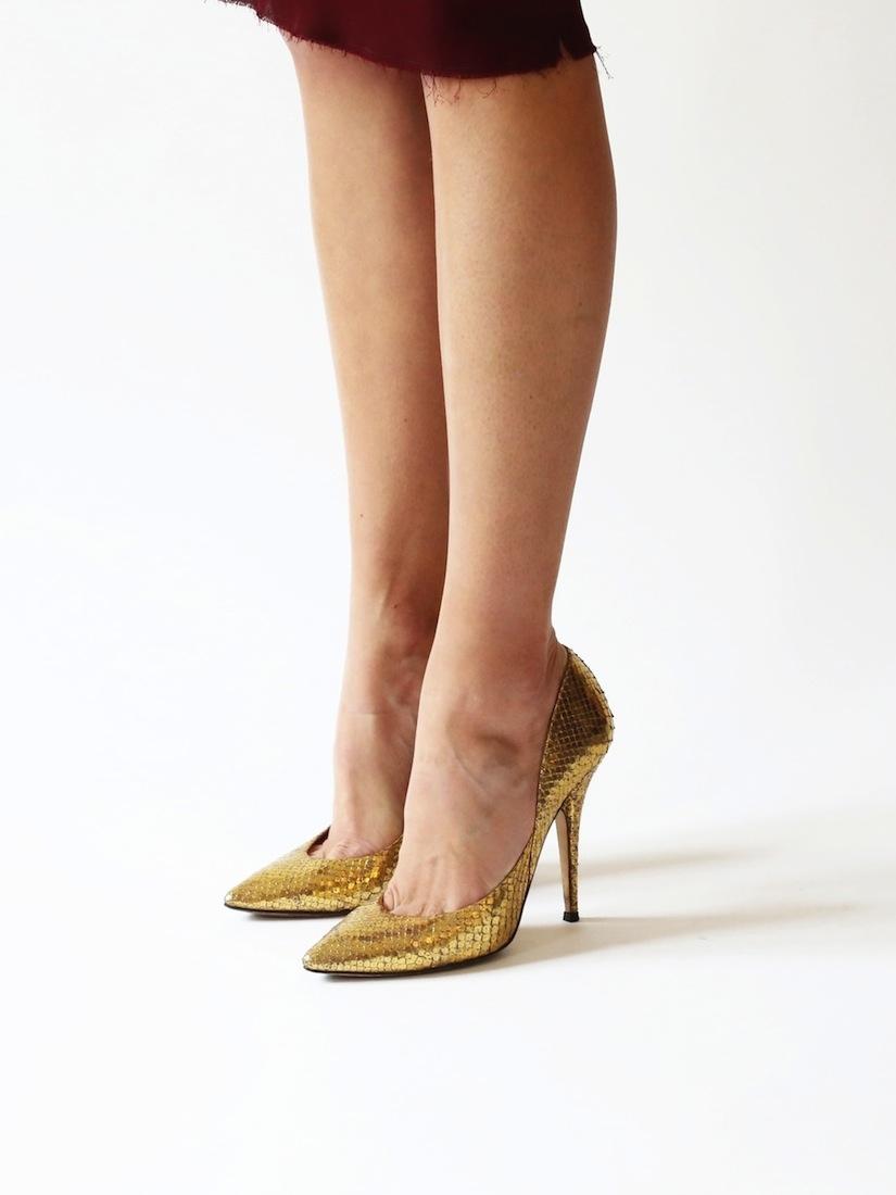 b2c8f7415 ... Gold metallic python leather stiletto pointy toe heels Retail price  $920 / 680€ Size 38 ...
