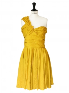 Mustard yellow asymmetrical cocktail dress  Retail price 2500€ Size 38