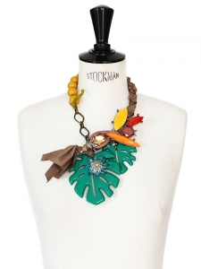 Necklace with bronze necklace, green bakelite levees, yellow and red stones and crystals Retail price 1350€