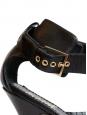 Sandales à talon en cuir noir et bride métallique dorées Taille 37