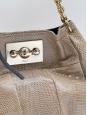 Sac à bandoulière Boudoir en lézard beige taupe. Px boutique 2400€