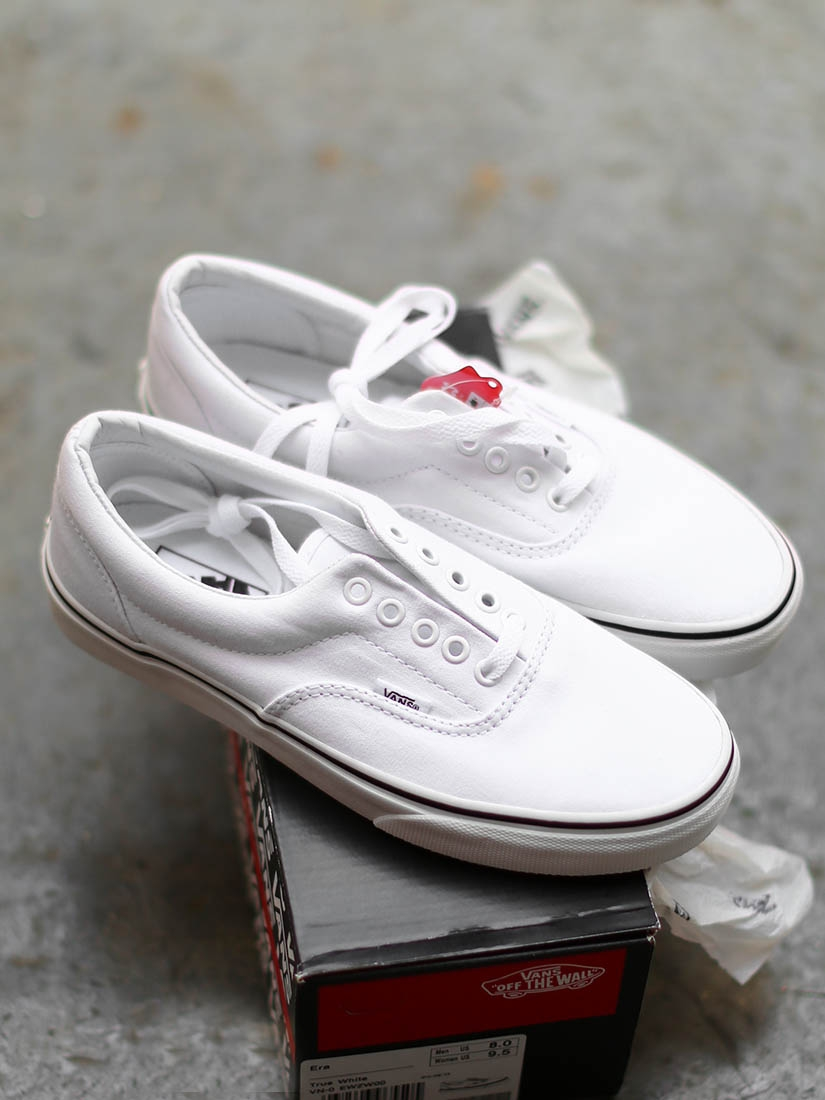 Louise Paris - VANS Classic Era white canvas sneakers NEW ...