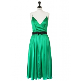 Emerald green silk satin mid-length dress Retail price 2000€ Size 38