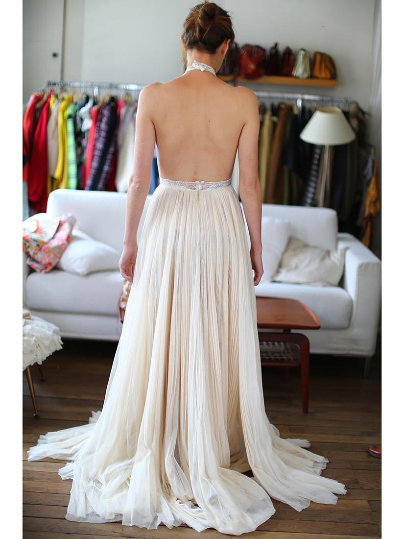 Louise paris stella mccartney white ecru lace and tulle for Wedding dress display at home