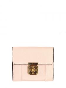 Portefeuille carré ELSIE en cuir grainé rose pâle et fermoir doré Px boutique 338€