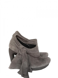 Grey suede heel ankle boots with oversized bow Retail price $1085 Size 36.5