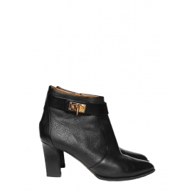 Black leather shark lock ankle boots Retail price €950 Size 40