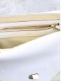 Sac Sally moyen modèle en cuir grainé blanc écru et chaîne dorée Prix boutique 1710€
