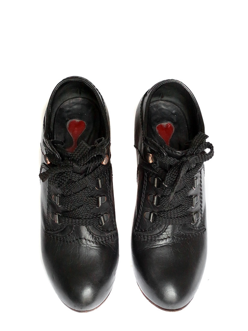 c86d3954ee9d ... SILVERADO Black leather laced up low boots Retail price €550 Size 37