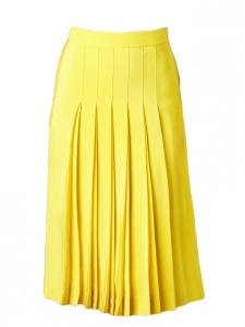 Bright yellow silk crepe pleated skirt Retail price €1030 Size 38