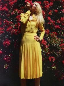 Jupe plissée en crêpe de soie jaune vif Px boutique 1030€ Taille 38