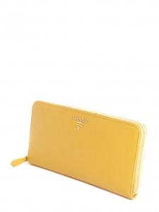 Portefeuille long clutch en cuir saffiano jaune avec zip doré NEUF Px boutique 595€