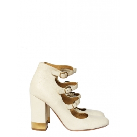 Multi-strap with gold buckles ivory white distressed leather pumps Retail price €600 Size 38