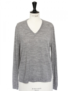 Light grey merino wool and striped silk sweater Retail price €320 Size 36