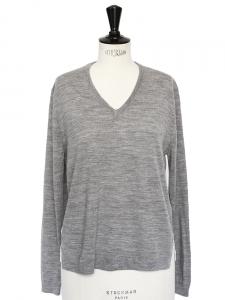 Pull col V en laine mérinos gris clair et soie blanche rayée Px boutique 320€ Taille 36
