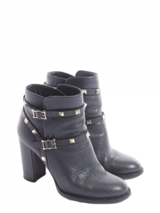 Black grained leather Rockstud ankle boots Retail price €800 Size 36,5