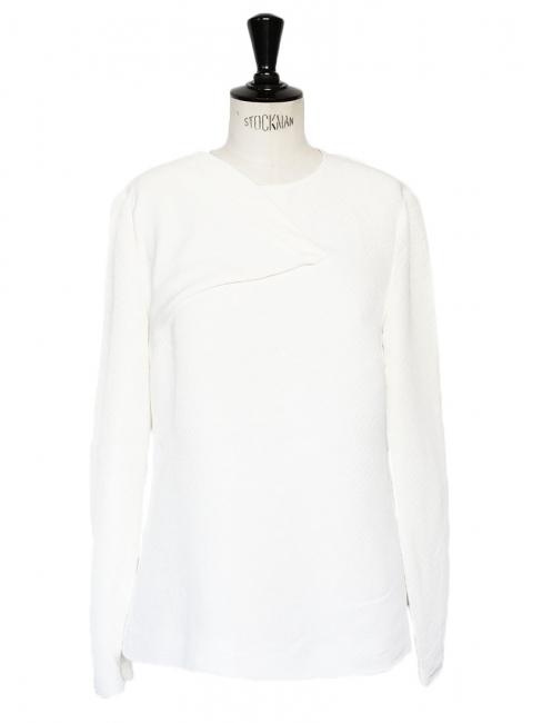 Top cintré texturé blanc à détail asymétrique Prix boutique 500€ Taille 38