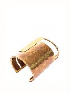 Bracelet manchette ORACLE en laiton martelé cuivre et or Px boutique 700€