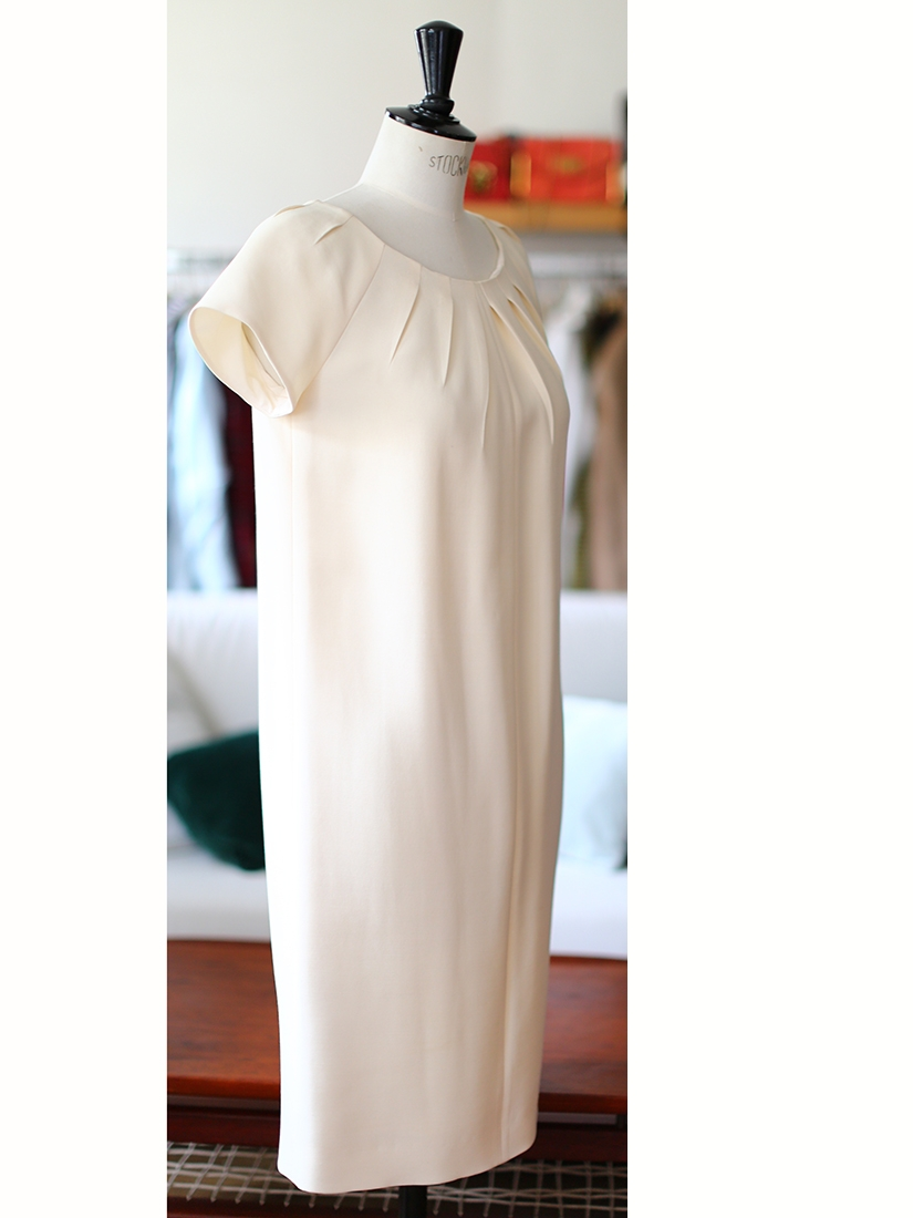 Louise paris dior off white silk and wool pleated crew for Dior couture dress price