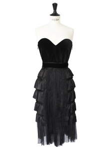 Black silk ruffles and velvet heartshaped décolleté strapless Cocktail dress Retail price €4500 Size 36