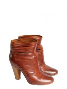 Bottines à talons en cuir découpé marron cognac Px boutique 750€ Taille 37