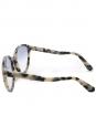 Lunettes de soleil œil-de-chat monture acétate écailles noir et beige verre dégradé bleu Px boutique 250€