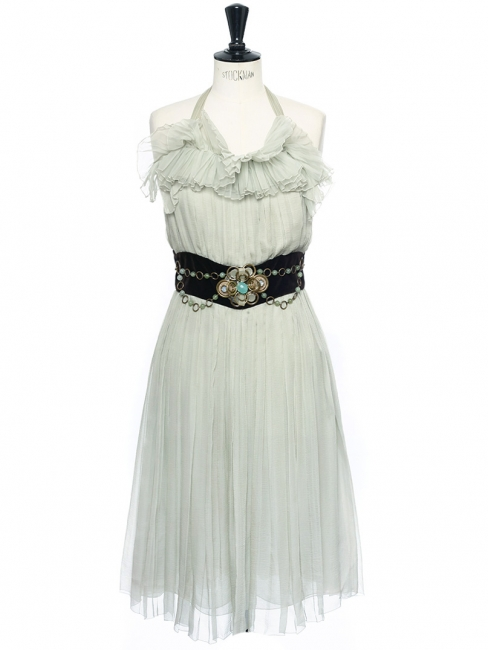 Robe de cocktail dos nu en mousseline de soie plissée vert jade et bijoux Px boutique 3500€ Taille 34/36