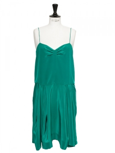 Emerald green silk spaghetti straps dress Retail price €850 Size 38