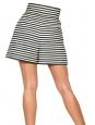 Short taille haute en lin rayé noir et blanc Px boutique 445€ Taille 36