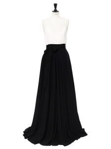 Maxi pleated skirt in black Retail price €2000 Size 36 to 40