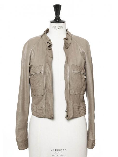 Veste en cuir d'agneau gris vert clair Prix boutique 3000€ Taille 36