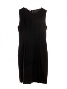 Robe cintrée sans manches en soie noire Px boutique 800€ Taille 36