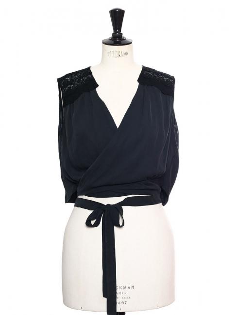Cropped top sans manches en dentelle et soie bleu nuit Px boutique 650€ Taille 36