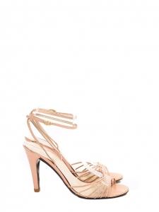 Sandales à talon en cuir rose poudre Px boutique 300€ Taille 37