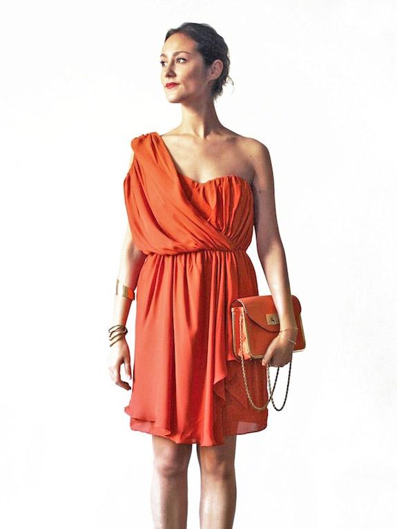 f1c2d833fab ... Robe bustier asymétrique en soie rouge corail Px boutique  545 Taille  S M ...
