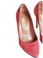 Escarpins en suède rose rouge corail Px boutique 280€ Taille 37