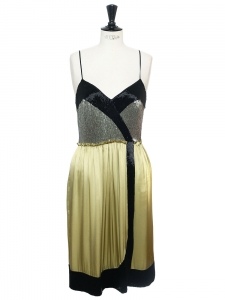 Bead-embellished lime green silk satin dress Retail price €5000 Size 38