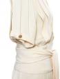 Robe en crêpe de soie plissé beige et boutons dorés Taille 38