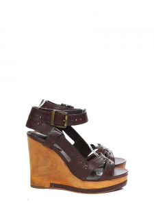 fe90b5705cc CHLOE · Chocolate brown grained leather and wooden wedge heel sandals  Retail price €550 Size 36