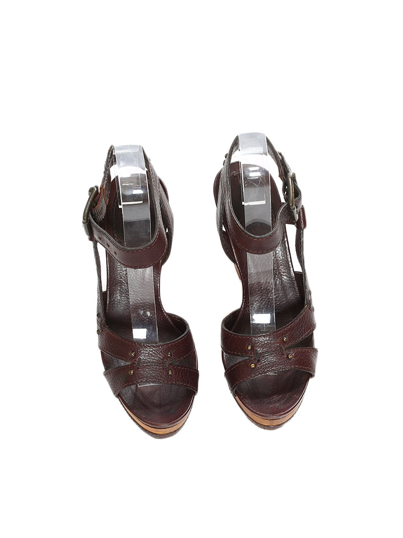 f83f843a44ba19 Louise Paris - CHLOE Chocolate brown grained leather and wooden ...
