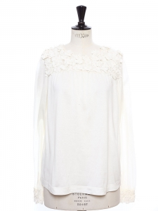 Ivory white cotton top embroidered with flowers Retail price €750 Size 36/38
