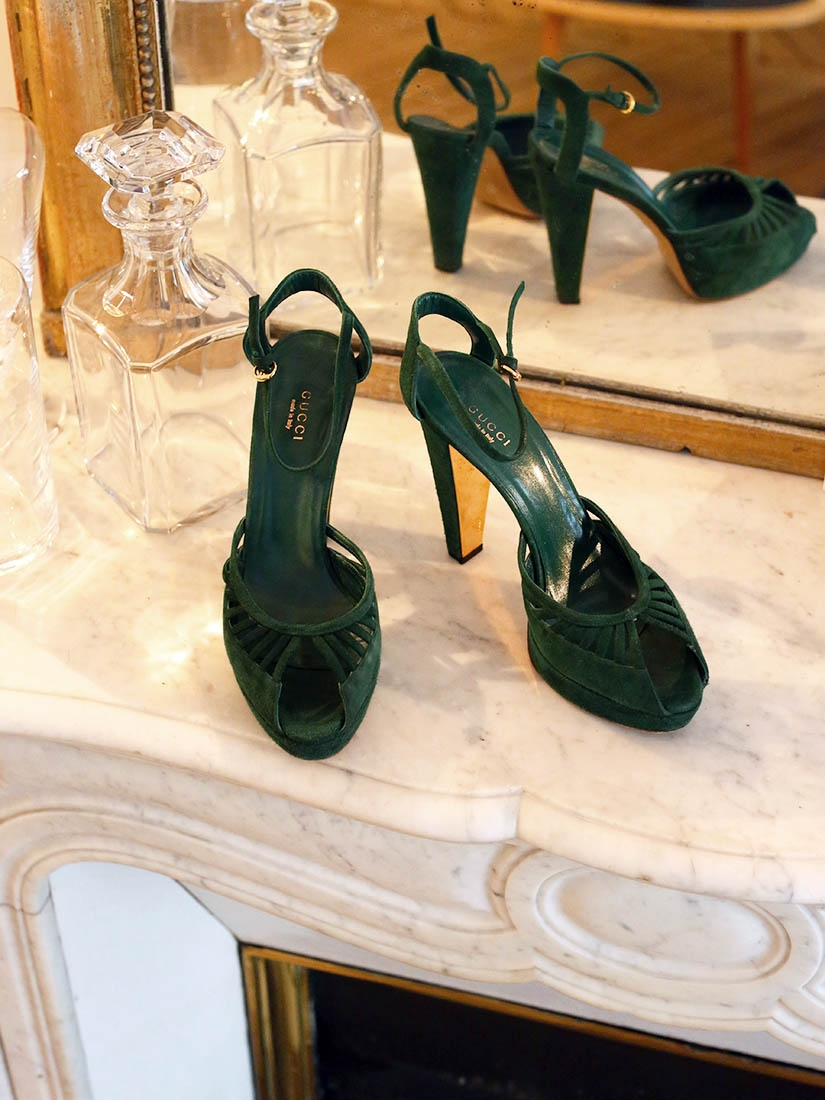 5b69fbe3d367 ... Green suede peep-toe d orsay gold heel sandals Retail price €700 Sz ...