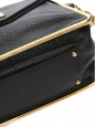 Sac Sally moyen modèle en cuir grainé noir et chaîne dorée Prix boutique 1710€
