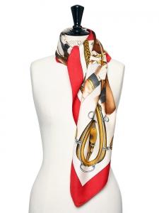 Foulard carré en twill de soie ATTELAGE EN ARBALETE Prix boutique 350€ Taille 90 x 90