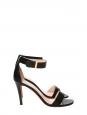 Sandales à talon et bride cheville en cuir noir Prix boutique 550€ Taille 39,5