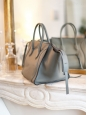 Sac LUGGAGE PHANTOM Medium en cuir lisse gris NEUF Px boutique 2400€
