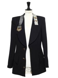 Veste de tailleur noire avec col ceinture métallique et boutons bijoux Taille 40