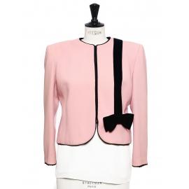 Veste courte en crêpe rose et velours noir Taille 38